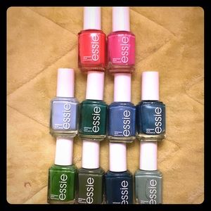 Essie nail polish bundle! 💅💅 Lot of 10